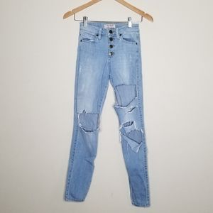 Guess Button Fly Destructed Distressed Skinny Leg
